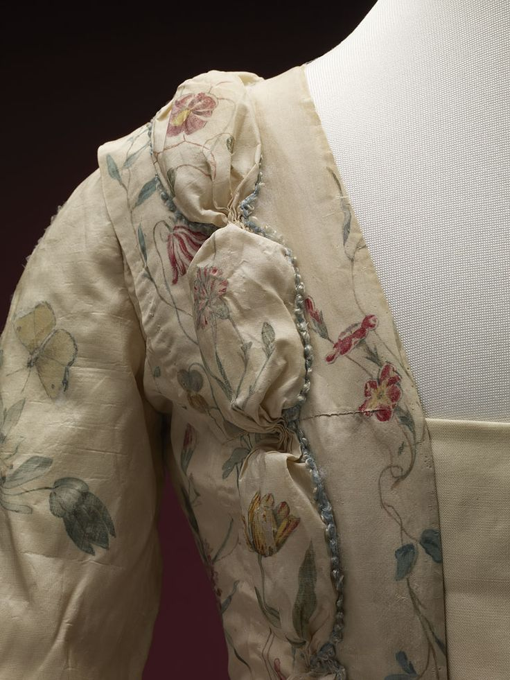 Detail front view, robe à la francaise, 1740-1760. Cream silk, beautifully…