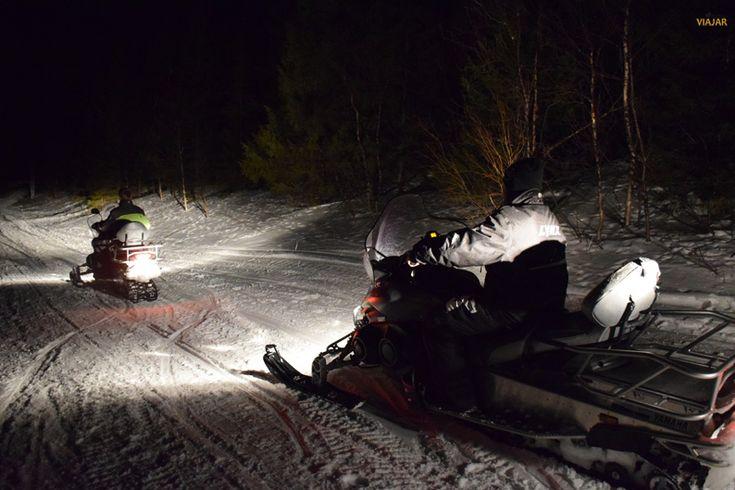 Motos de nieve en la región de Tromsø. Laponia noruega / Snowmobile. Tromsø region.  Norway