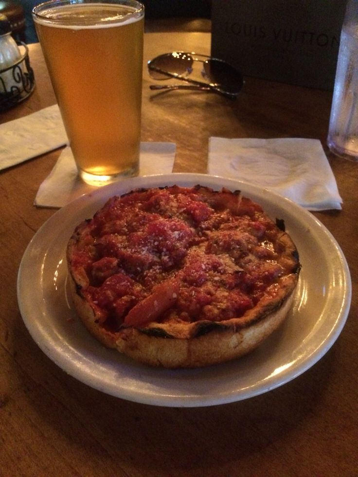 Chicago style pizza at Lou Malnatis