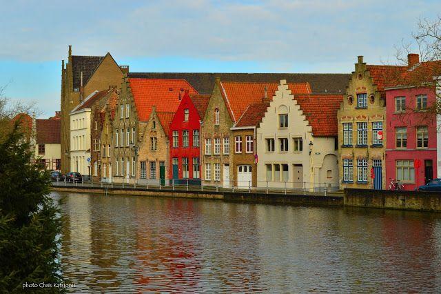 Travel in Clicks: Walking around in Bruges