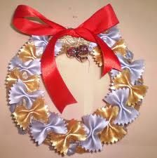 pasta crafts - Christmas wreath