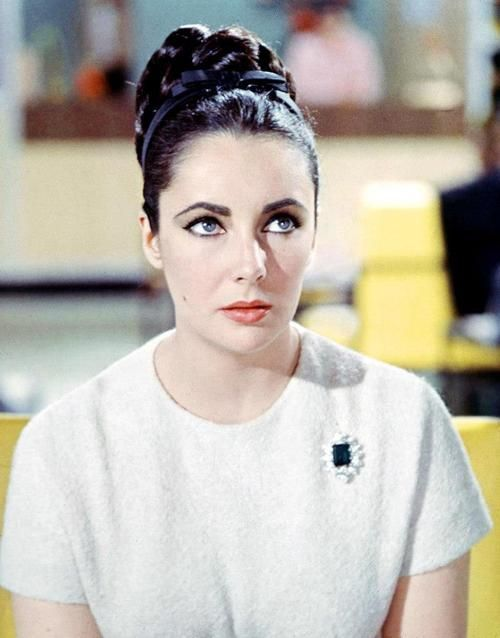 Todays 1960s hair and makeup inspiration from Elizabeth Taylor (February 27, 1932 – March 23, 2011)