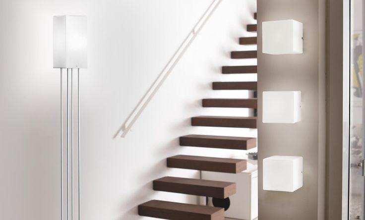 Kubik is available in the wall, suspension, floor and table version. | Kubik è disponibile in versione da parete, da terra, da tavolo e a sospensione.
