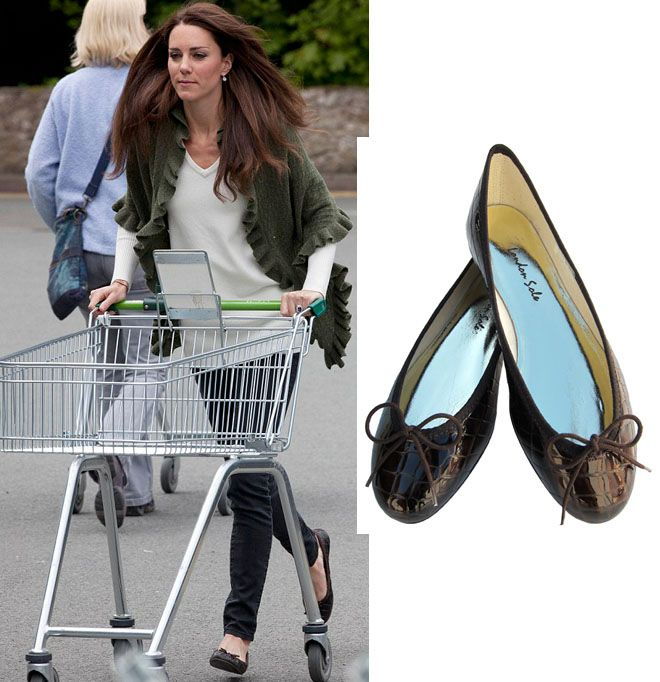 The Duchess of Cambridge wears a comfy pair of ballet flats and jeans to go  shopping. Kate chooses stylish flats by London Sole / French Sole and owns  the ...