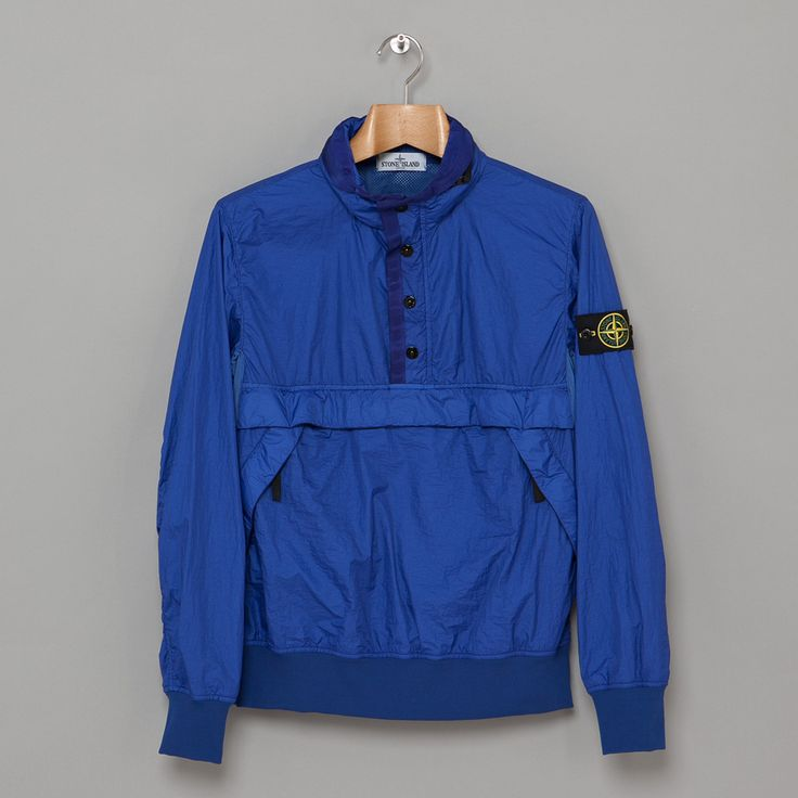 Stone Island cagoule, want one of these.