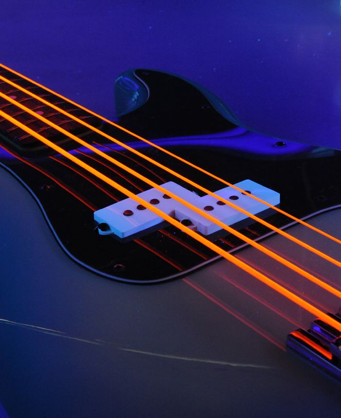 DR NEON bass and guitar strings