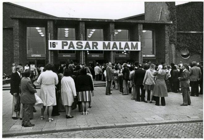 Den Haag<br />Den Haag: De Pasar Malam in de Houtrusthallen in 1987