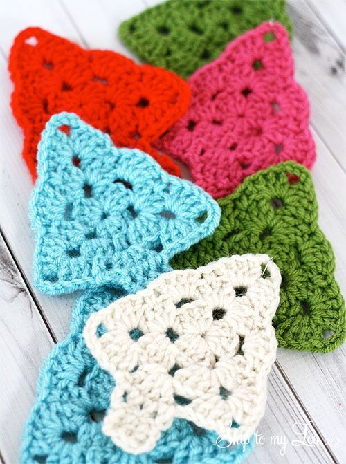Crochet Decorated Christmas Tree {Michaels Dream Tree Challenge} | Skip To My Lou