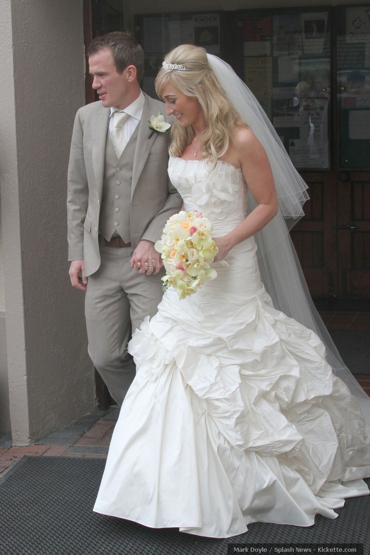 Mr & Mrs Glen Whelan (Stoke City/Republic of Ireland). Married May 2012.: Whelan Stok Cities, Suits Colors, Stokes Cities, Celebrity Bride, Ireland Football, Just Marry, Glen Whelan Stok, Marry Karen, Whelan Stokes