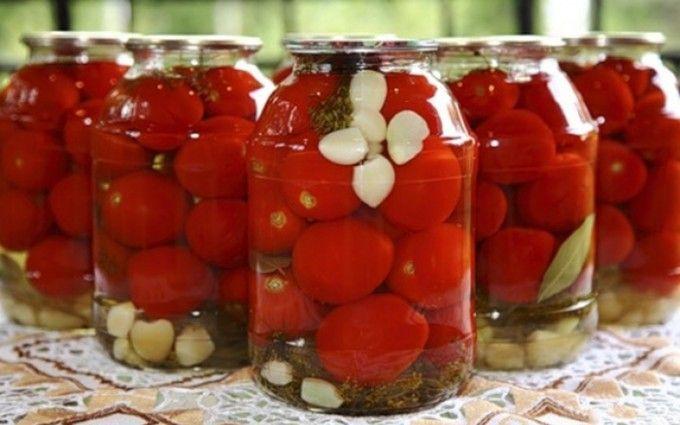 Rajčata marinované v sladkém nálevu | NejRecept.cz