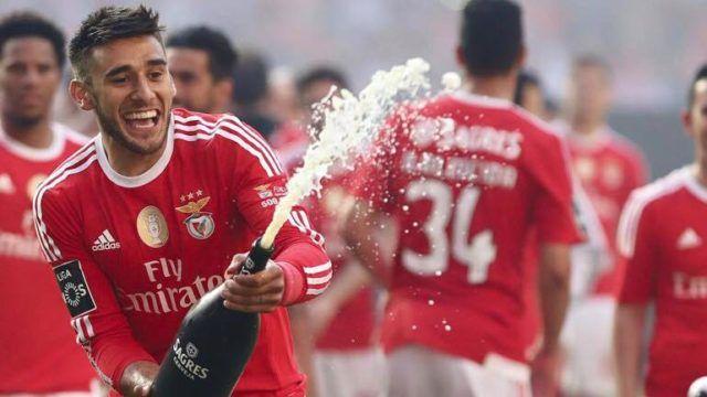 Sálvio, o argentino com mais golos da história do Benfica. Sálvio-42; Gáitan-41; Saviola-39; Aimar-17; Cannigia-16; Di Maria-15; Garay-12; Jara-11; Enzo Pérez-10; Cervi-4; Lisandro-3