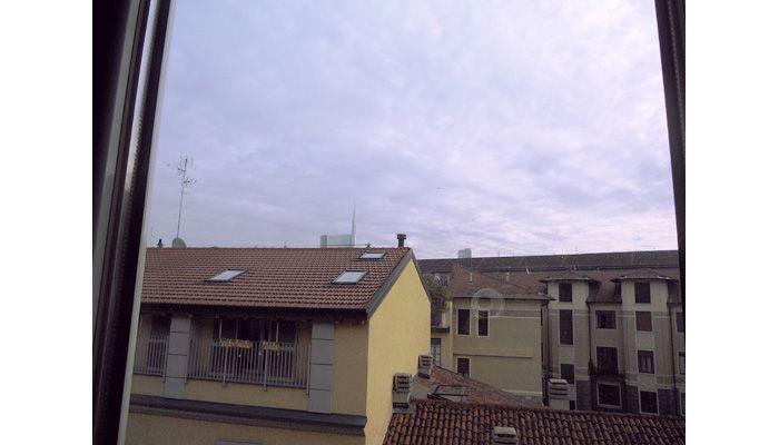A due passi da #ParcoSempione e dall'Arena. In un bel contesto anni '40, proponiamo un'abitazione giovanile, allegra e luminosa ed è stata recentemente ristrutturata. http://www.rossomattone.eu/Milano_Sempione_Arena_Milano_Vendita_Appartamento_Via_Bramante-h166-m16-s13-p16.html?&conta_lista=12&metodo=DESC&ordina=