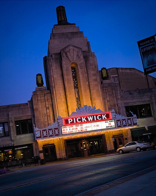 Pickwick theatre art deco chicago and building for Park ridge building department