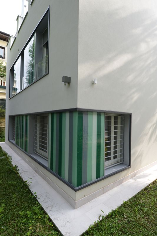 #Restauri e ristrutturazioni - #Riqualificazione #abitazione unifamigliare - #Treviso - particolare serramento d'angolo.