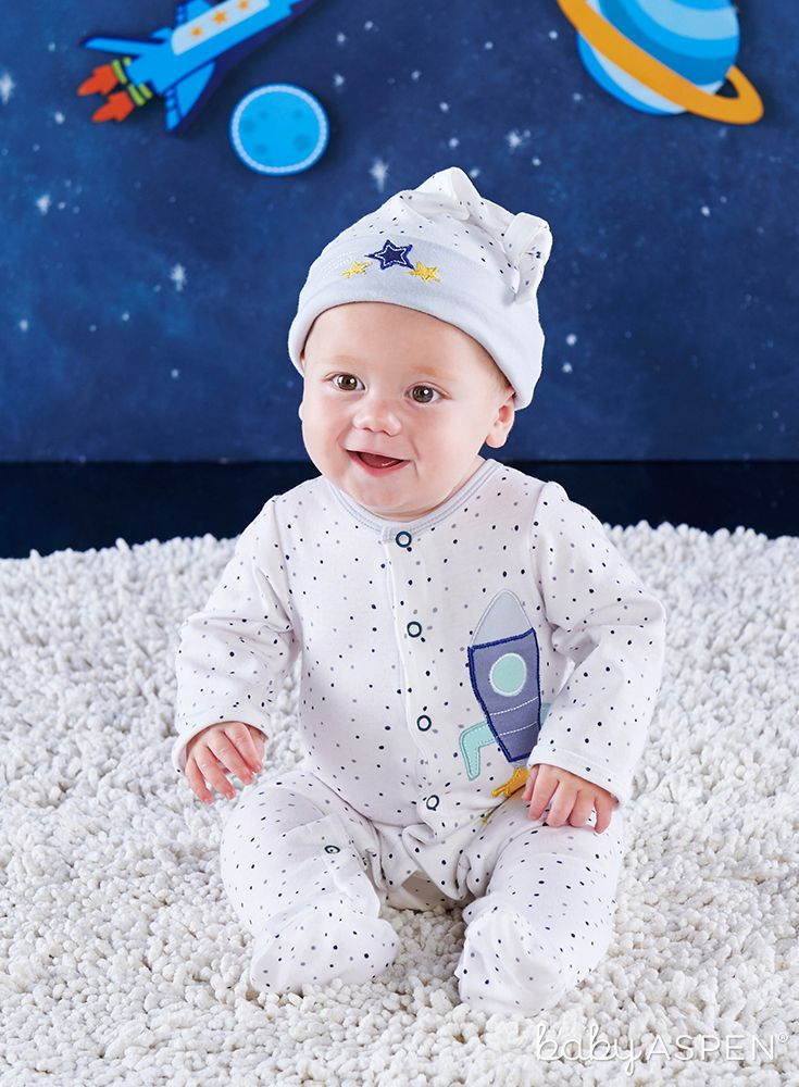 Space is the place, and all happening tots know that, which is why Baby Aspen made apajama baby gift setto take off like a rocket ship! | Cosmo Tot Spaceship 2-Piece Pajama Gift Set | Baby Aspen