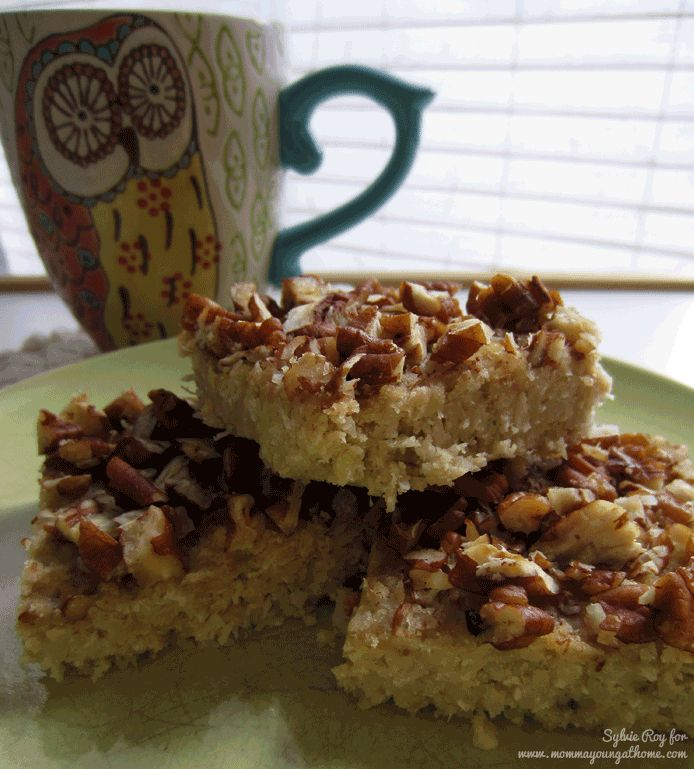 I love easy freezer recipes for breakfast - need to try making a big batch of these Paleo Coconut Pecan Breakfast Bars