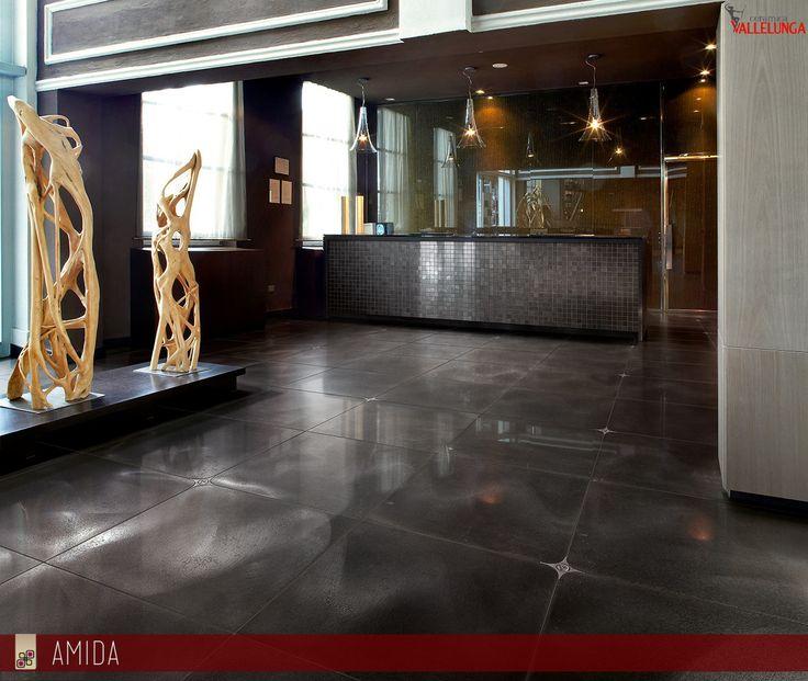 Cerchi materiali innovativi per rendere unica la tua casa o la tua attività commerciale? Scopri il nuovo #pavimento in #gresporcellanato effetto #metallo! Solo da Amida!