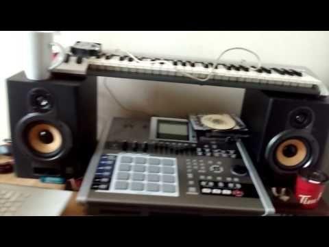 Quick Home / Bedroom Recording Studio Tour! 2015