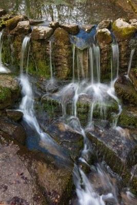 Río Santiago en el monte, Alava, País Vasco, España
