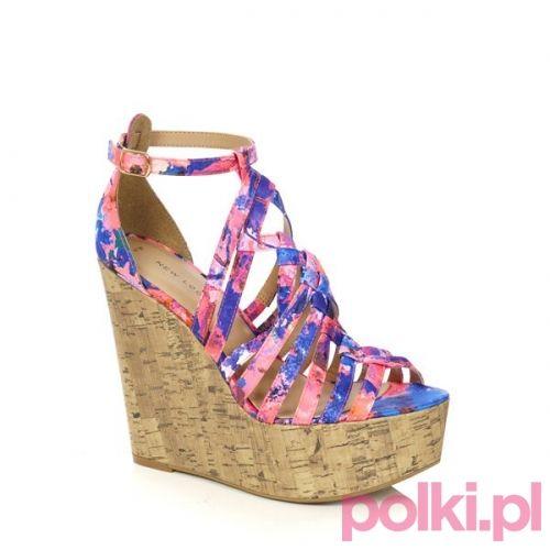 Kolorowe buty na koturnie New Look #buty #shoes #polkipl