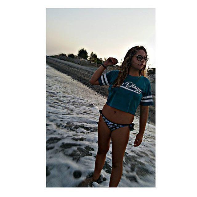 """""¿Dónde estarás? ¿Dónde estarás? ¿Todavía piensas en mí? ¿Dónde estarás? ¿Dónde estarás? Yo sigo pensando en ti."" 🎈 #summer #end #photooftheday"" by @pams.brown. #capture #pictures #pic #exposure #photos #snapshot #picture #composition #pics #moment #focus #all_shots #color #foto #photograph #fotografia #photographyeveryday #photoart #ig_shutterbugs #photogram #photodaily #instaphotography #photographylovers #grow #dedication #mobilephotography #pushpullgrind #grindout #pictureoftheday…"