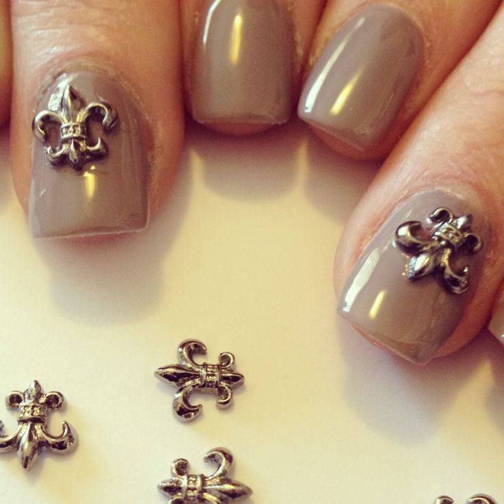 Fleur de Lis manicure jewel from www.nailcandi.co.za - The first re-usable nail art! Simply glue onto nailbed or embed in product (gel, gelpolish, acrylic or glaze.)  Order online