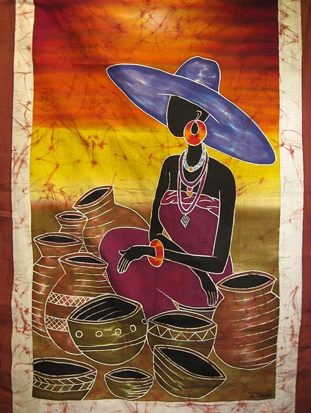 African woman selling pottery and adorned calabashes (Ref : TIS0490)