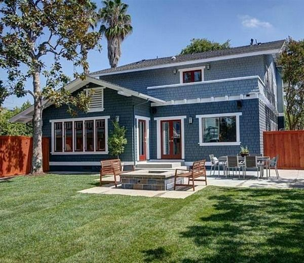 Best 25 blue siding ideas on pinterest blue houses for Home outside palette