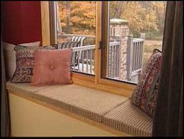 Not the best pic, but great how to on how to make window seatsProjects, Sewing, Gardens Television, Windows Seats, Burlap Pillows, Diy Windows, Animal Prints, Lights Animal, Windows Cushions