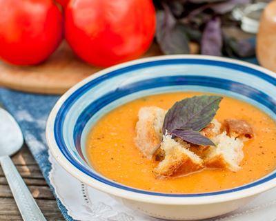 Vélouté d'aubergine, courgettes et tomates au basilic