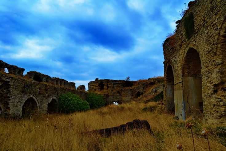 Seddülbahir Kalesi alt avludaki toplar..  Seddülbahir fotoğrafları / Seddülbahir Fortress lower courtyard and cannons.. Seddülbahir photos