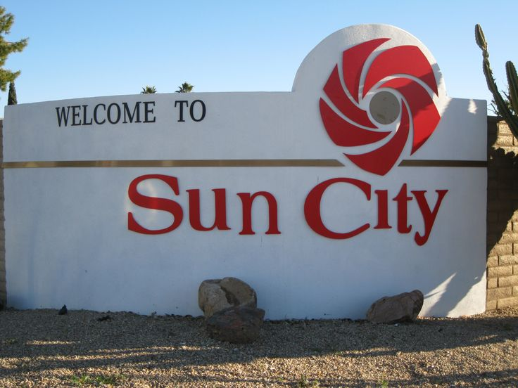 Sun City Arizona 55+golf community 1st adult community by Del Webb