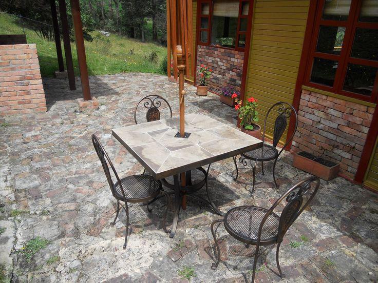 Comedor exterior en porcelanato athosmuebles.com