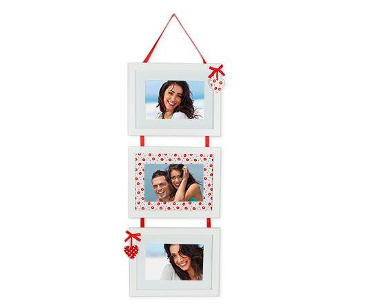 Le tre foto che ami, stampate all'interno di tenerissime cornici personalizzate per #sanvalentino  http://www.fotoregali.com/cornice-foto-tre-riquadri-cuori.aspx
