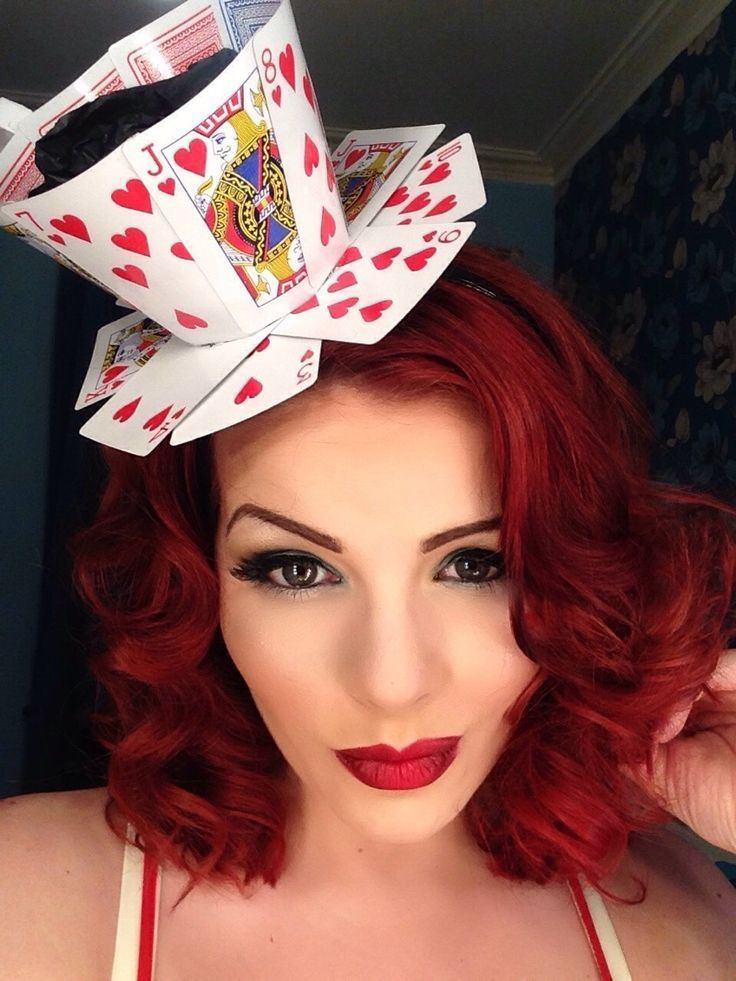 how to make a queen of hearts teacup fascinator from playing cards queen of hearts halloween. Black Bedroom Furniture Sets. Home Design Ideas