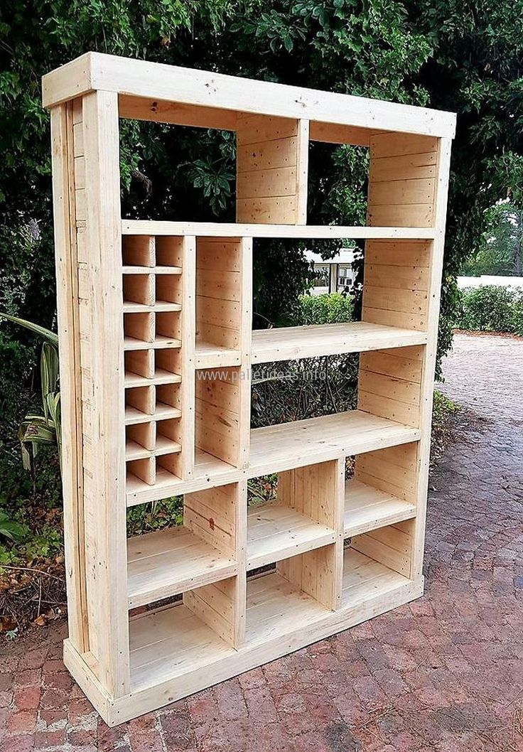 1 pallet closet plan - something  like this would be nice to organize tools in the basemsnt