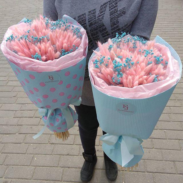 Любовь всех девочек... Нежный розовый лагурус с веточками гипсофилы в цвете Тиффани  Букет с натуральными сухоцветами. В наличии у нас  #flowersjuli #флористикаминск #флористика #цветы #цветыминск #букет #букетминск #лагурус #bloom #blossom #floristic #flowers #bouquetminsk #bouquet #лагурусflowersjuli #сухоцветы