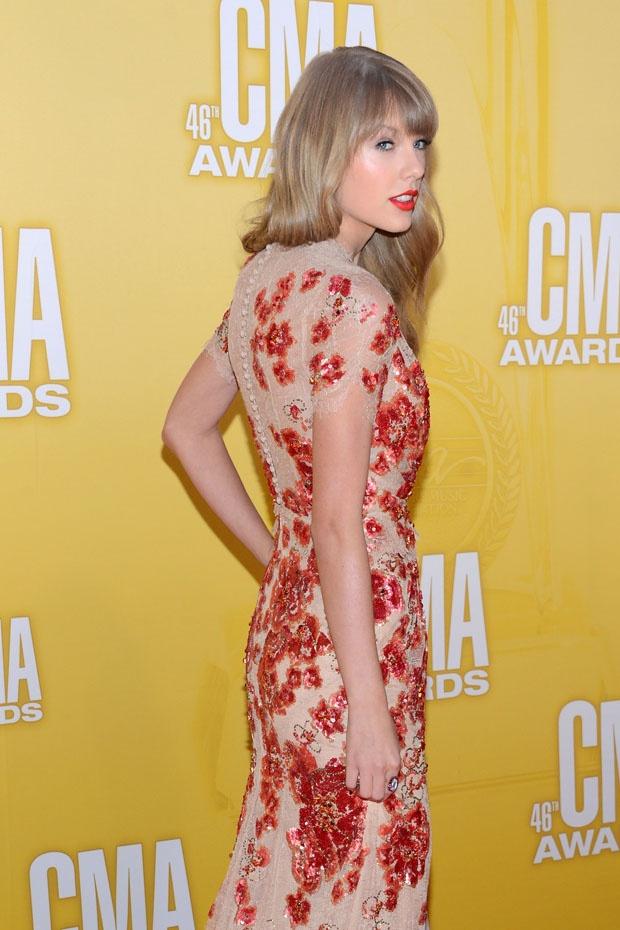 Taylor Swift - Jenny Packham - lace spring 2012 dress