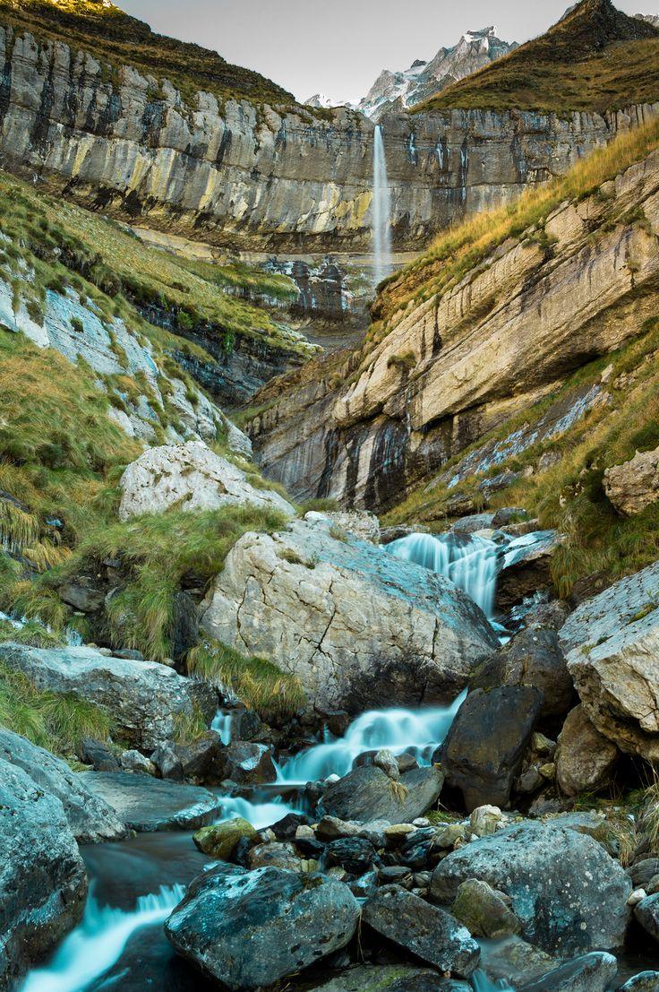 Nacimiento del río Pas a los pies del Castro Valnera, Cantabria