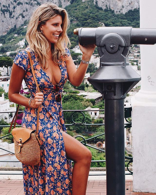 WEBSTA @ tashoakley - Spying on Capri  Wearing @revolve #REVOLVEaroundtheworld Outfit details on the link in my bio