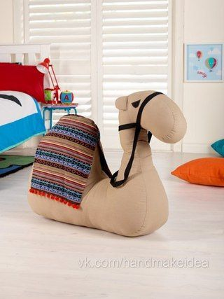 Toy Camel - free pattern and tutorial