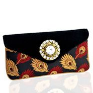Buy Beautiful Handbags for Your Loving mom This Mothers day - http://www.giftalove.com/mothers-day/handbags-for-mother-625.html
