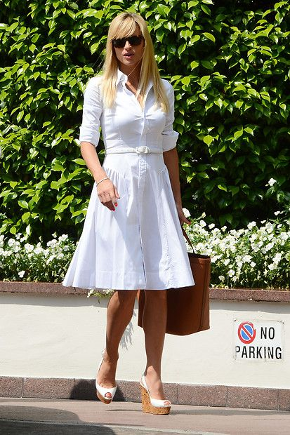 Michelle Hunziker in All-White-Look combined with brown