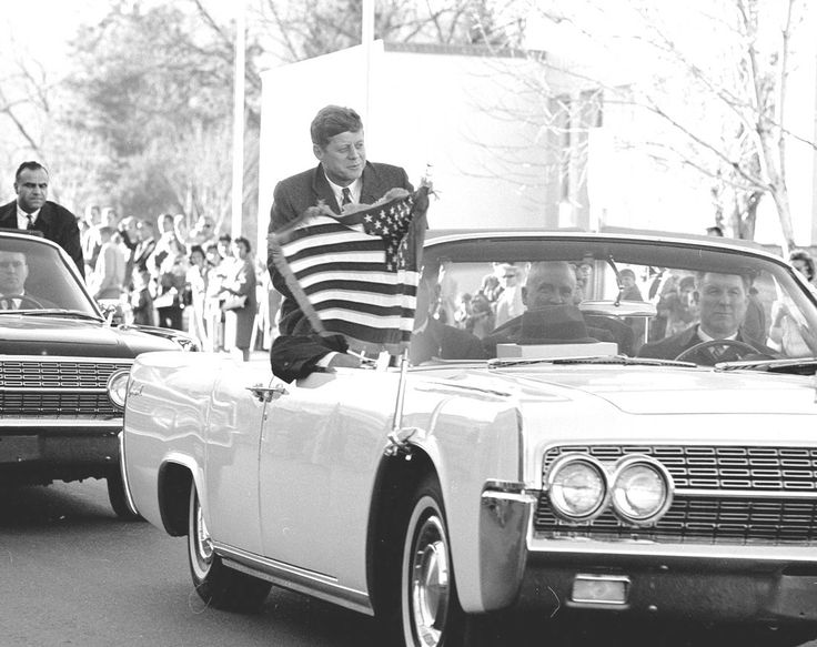 President John F. Kennedy, the first president to visit Los Alamos National Laboratory, is shown in the presidential Lincoln Continental as New Mexicans crowd his route through Los Alamos on Dec. 7, 1962. (Courtesy of Los Alamos National Laboratory)✽❤✿❤✿❤✿❤✽  http://en.wikipedia.org/wiki/John_F._Kennedy