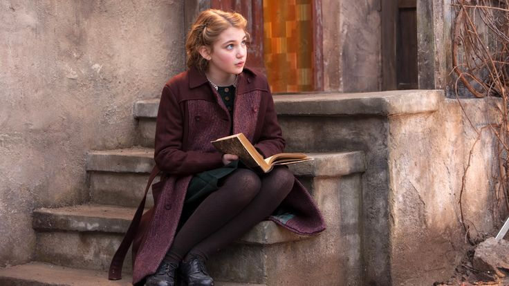 People 3840x2160 women books movies The Book Thief Sophie Nélisse
