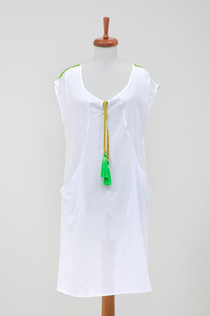 """San Francisco Elbise Green - 84.00 TL  Plaja giderken rahatlığı sayesinde en favori elbiseniz olacak. Farklı renkteki püskül seçenekleriyle çok eğlenceli bir ürün."""" One size fits all"""" kalıbı ile 36-40 beden arası vücut tiplerine uygundur. // Moda ZiGi"""