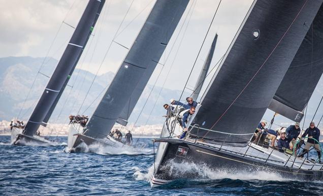 La flota de los barcos Maxis, durante la primera jornada de las Gaastra PalmaVela.   MartínezStudio