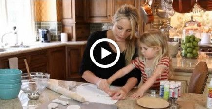 Easy Salt Dough Recipe for Christmas Ornaments : Crafting Ideas