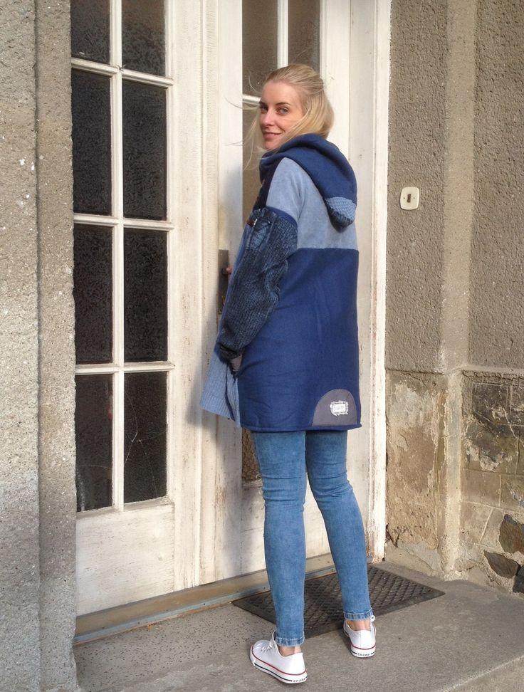 170902 Módní tunika, je vhodná jako svrchní oděv do krásných podzimních dnů. Ráda si ji oblékne žena, která miluje vyjímečnost a originalitu.