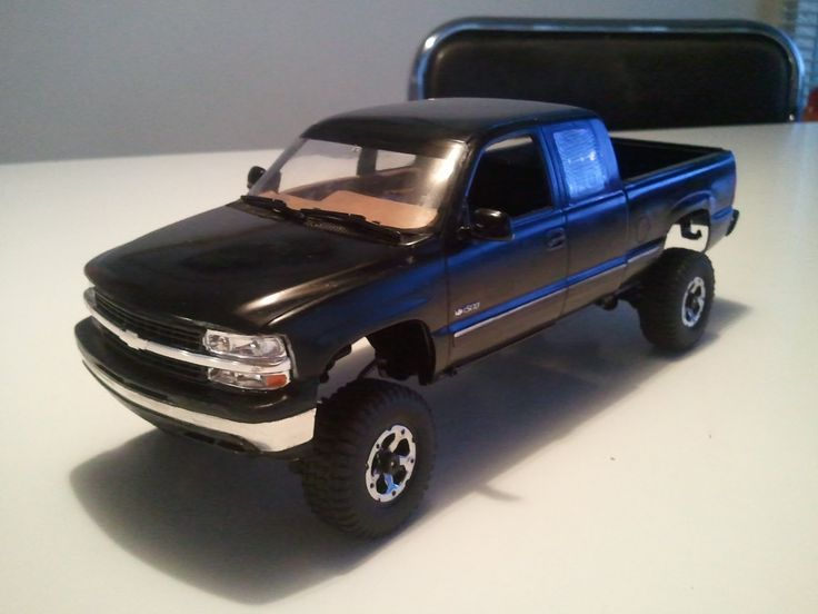 Losi Micro Crawler - '99 Chevy Silverado scaler 1/24 - Part 1 - Build & ...